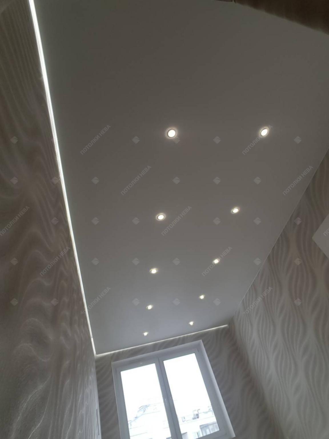 Матовый натяжной светодиодный потолок