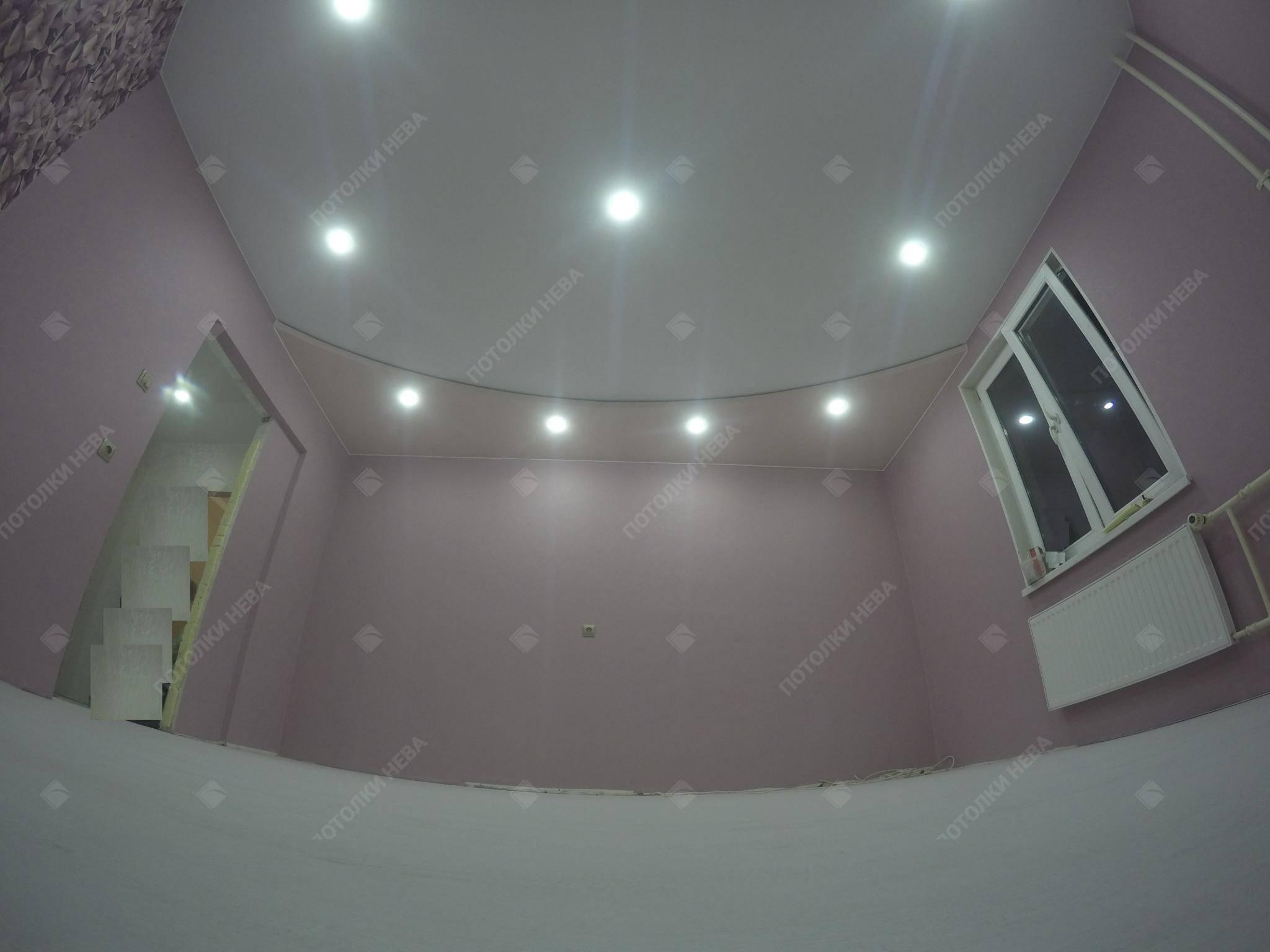 Розовый двухуровневый потолок в спальню
