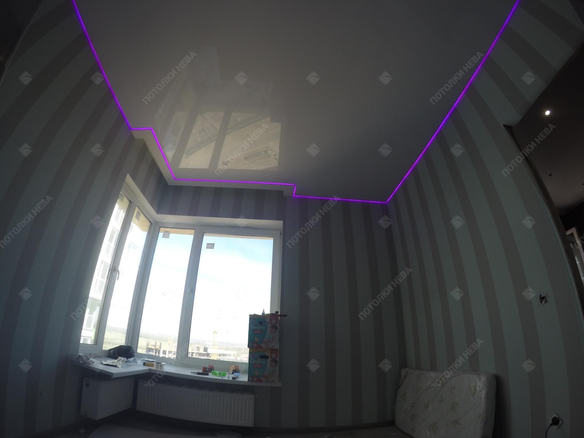 Парящий светодиодный потолок в спальне